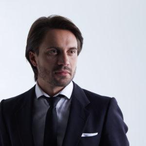 Олег Перегинець